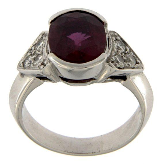 G2018-anello-oro-bianco-diamanti-brillanti-rubino