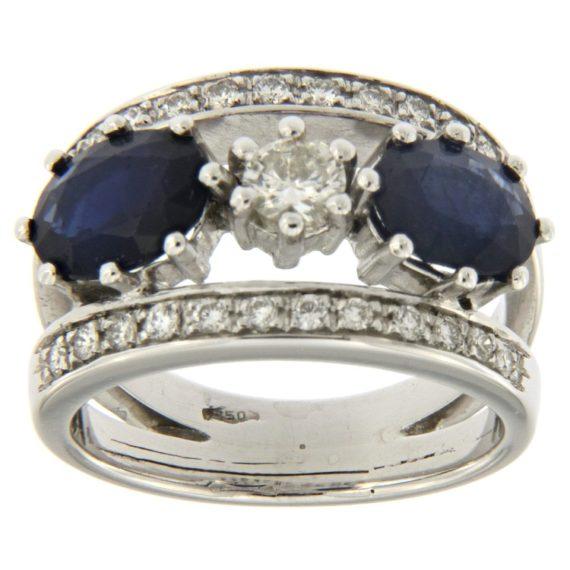 G2139-anello-oro-bianco-diamanti-brillanti-zaffiri