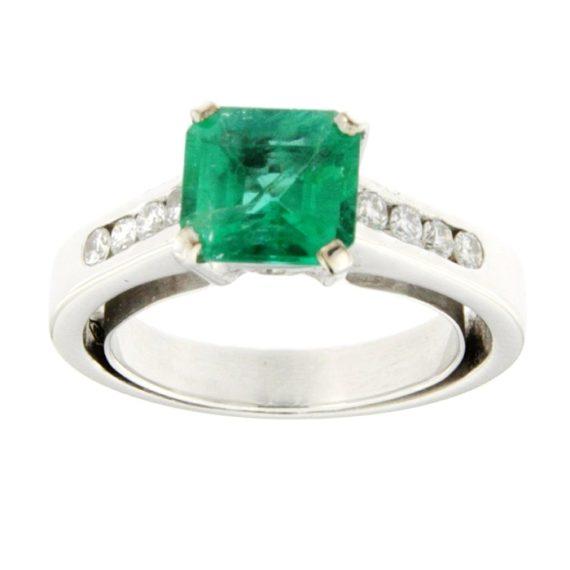 G2190-anello-oro-bianco-smeraldo-diamanti-brillanti-1
