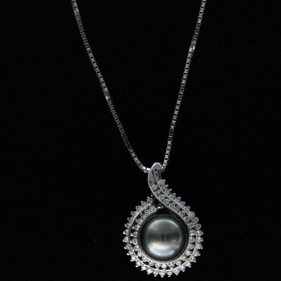G2198-white-gold-necklace-with-tahiti-pearl-and-brilliant-cut-diamonds
