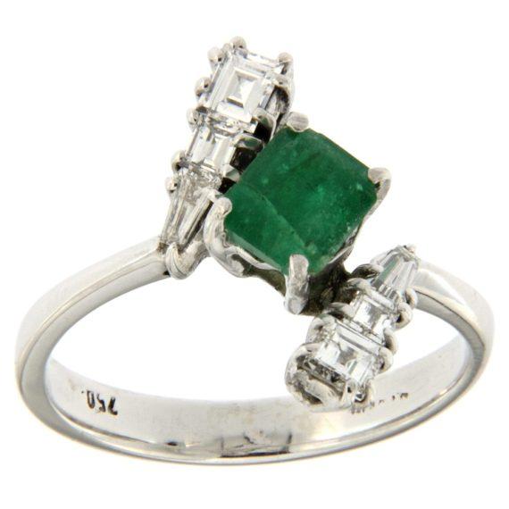 G2221-anello-oro-bianco-smeraldo-diamanti