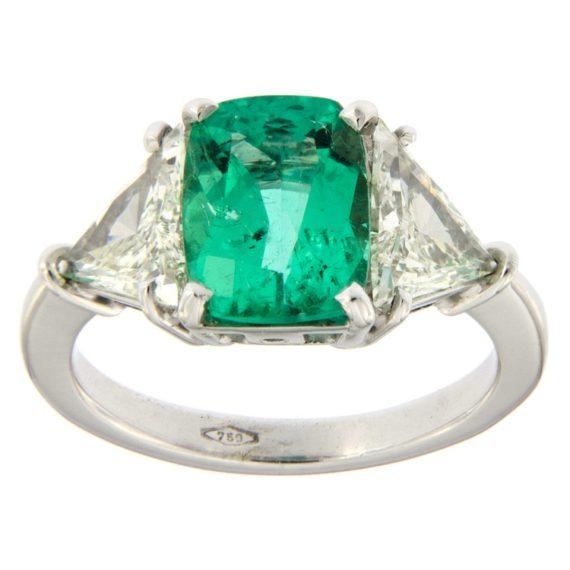 G2441-anello-guidetti-oro-bianco-smeraldo-diamanti