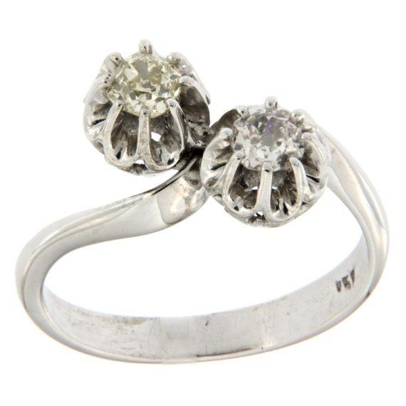 G2472-anello-contrarié-oro-bianco-diamanti-taglio-vecchio