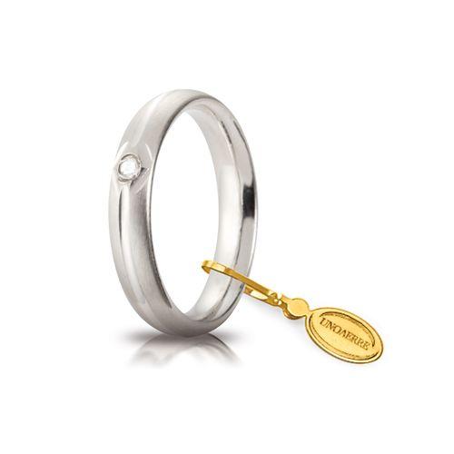 F38_Fede nuziale Comoda oro bianco satinato mm 4 con brillante ct 0,03