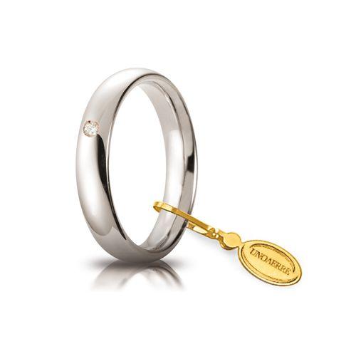 F39_Fede nuziale Comoda oro bianco mm 4 con brillante ct 0,03