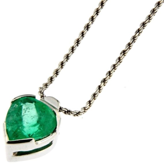 G2675-white-gold-necklace-with-3-60-ct-emerald-in-the-pendant